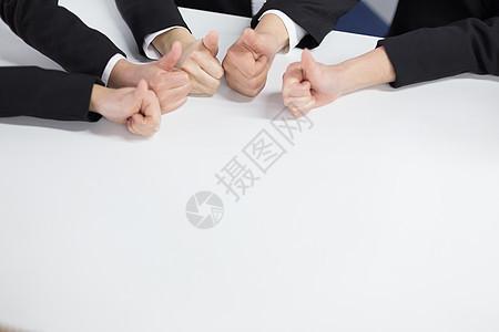 竖起的大拇指图片