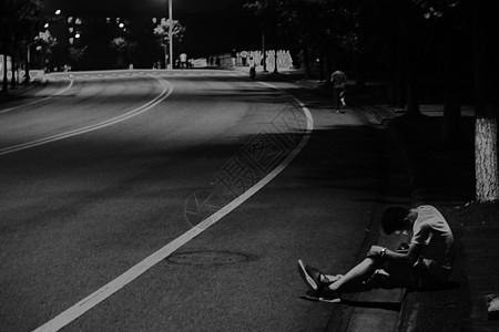 生命与孤独图片