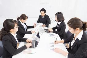 多人商务会议拍摄图片