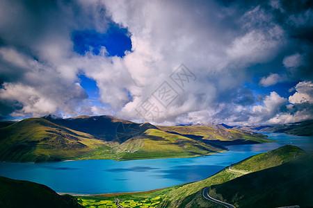 广袤无垠的西藏羊卓措湖图片