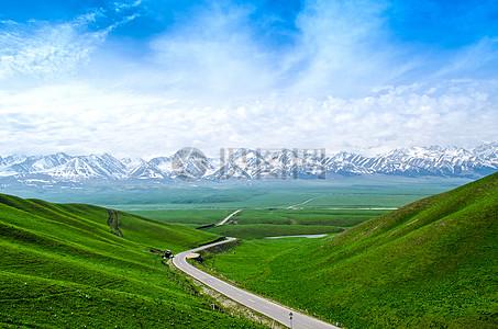 通往雪山的梦中小路图片