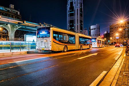 上海中速交通夜景图片