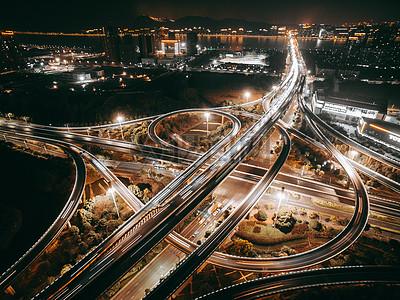 繁华的立交桥车流夜景图片