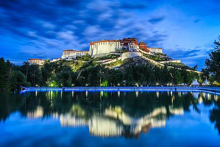 美丽的布达拉宫倒影图片