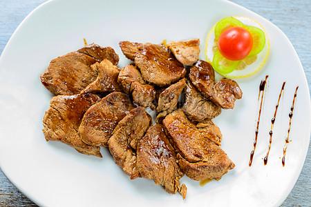 猪肉块与煎蛋图片