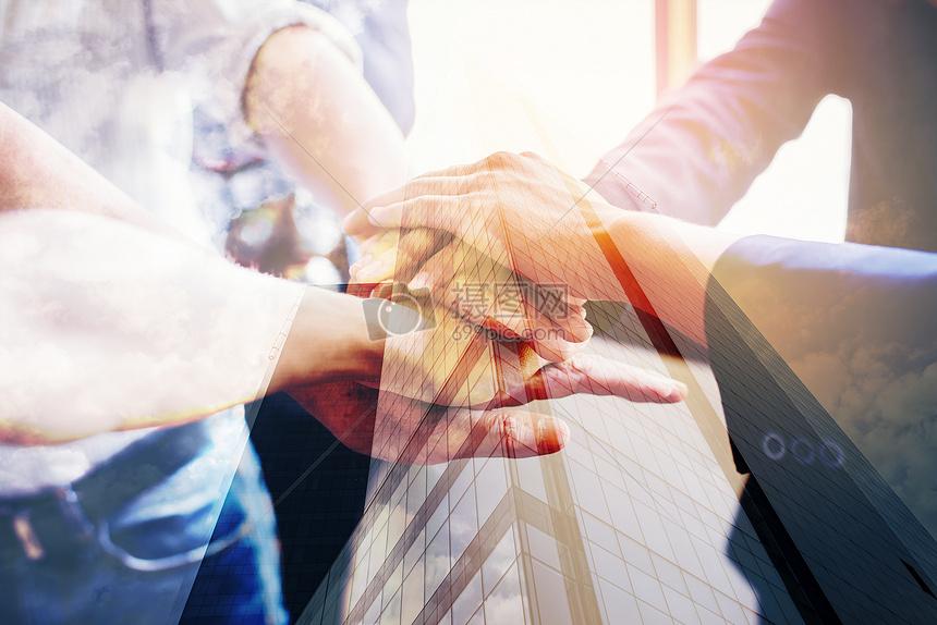 金融商务握手合作图片