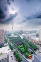 暴雨来临前的西安电视塔图片