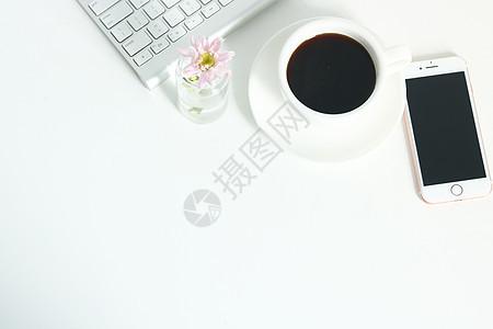 桌面上的咖啡办公品图片