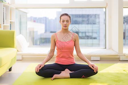 瑜伽运动模特图片