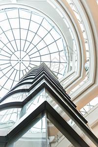 商场建筑天窗透明设计图片