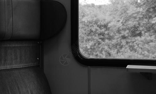 空座位和车窗图片