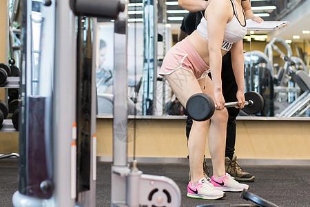 健身教练运动指导动作图片