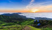 山顶日出云海绝美风光图片