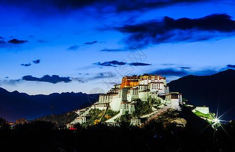 夜色中的布达拉宫夜景图片