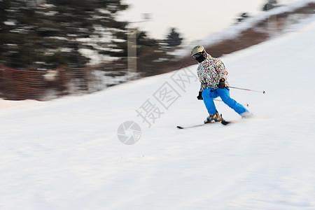 高山滑雪图片