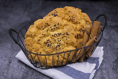 黑芝麻饼干香酥烘培西点巧克力蛋黄卷图片
