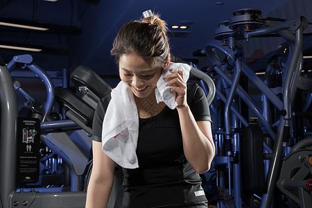 健身运动休息场景图片