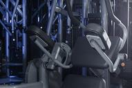 健身房健身器材特写图片