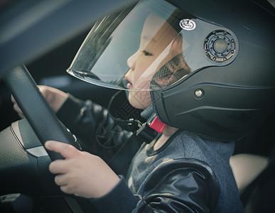 小小赛车手图片