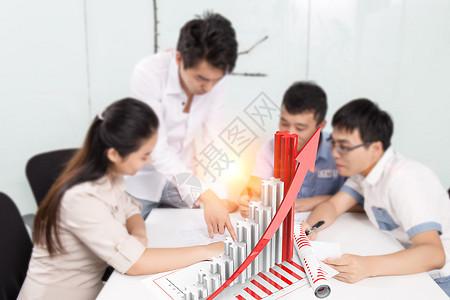 开会的商务人士图片