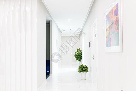 空无一人的医院走廊图片