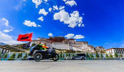骑着摩托成功到达西藏图片