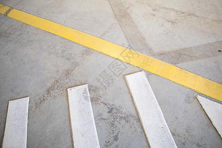 斑马线白线购物车场景图片