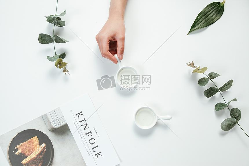 文艺风格餐桌图片