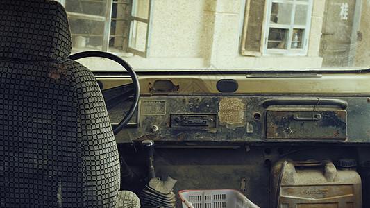 破旧汽车图片