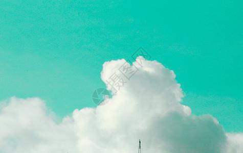 简约壁纸-大片的云朵图片