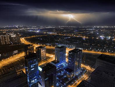 航拍下的城市夜景图片
