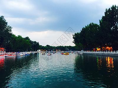 玉渊潭公园的湖图片