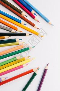五彩缤纷的蜡笔图片
