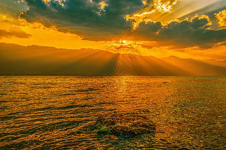 洱海日落图片