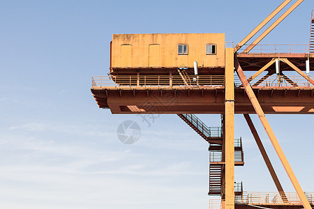 港口起重机图片