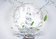 创意合成水瓶图片