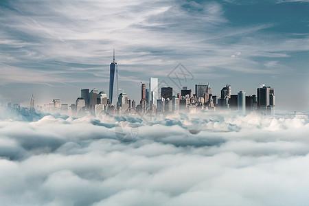天空上高楼林立的纽约图片