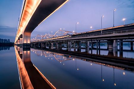 广运桥和地铁三号线高架图片