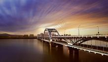 大桥与城市航拍图片