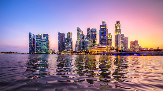 新加坡繁华的金融摩天楼群图片