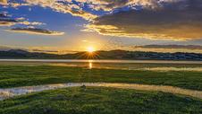 内蒙古一望无际的草原日落图片