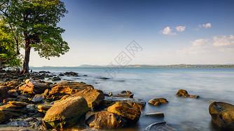 树石海图片