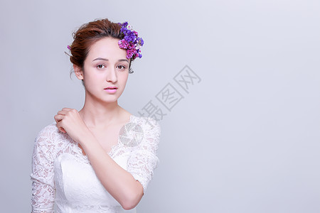 清新花艺创意妆面美女正脸图片
