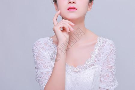 清新化妆美女嘴唇展示图片