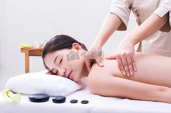 养生美容美女做spa按摩图片