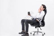 疲倦休息思考的商务人喝咖啡图片