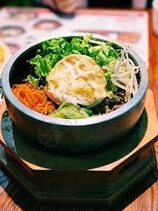 一碗石锅拌饭图片