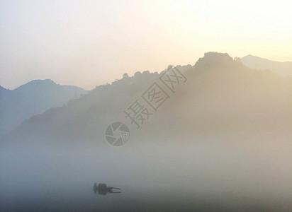 暮光之江图片