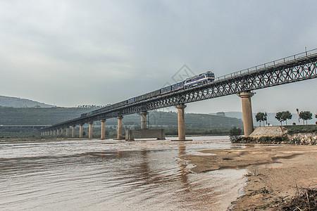东风8B货运列车图片