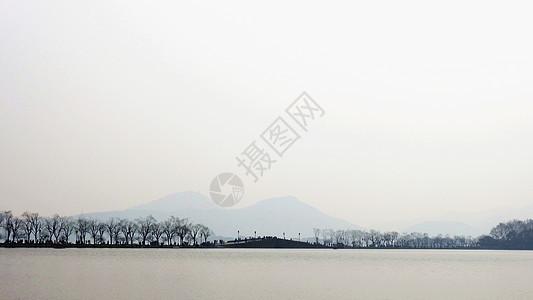 雾蒙蒙的杭州水墨西湖图片